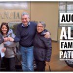 Toti Costanzo cosegna le chiavi della macchina alla famiglia Paternò