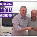 Toti Costanzo Consegna le chiavi dell'auto nuov alla famiglia Giandinoto