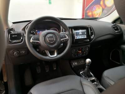 Interni jeep Compass Limited km0